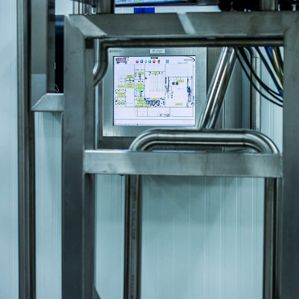 qualtech-portfolio-st-albert-squarepic-monitorscreen